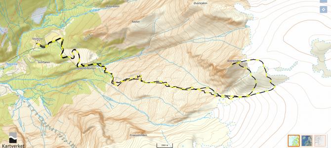 Botntinden 1217 moh (fra Kilvika)